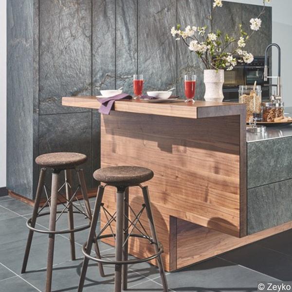 Kleiner Essbereich in moderner Küche vom Holzraum Schloss Lüntenbeck