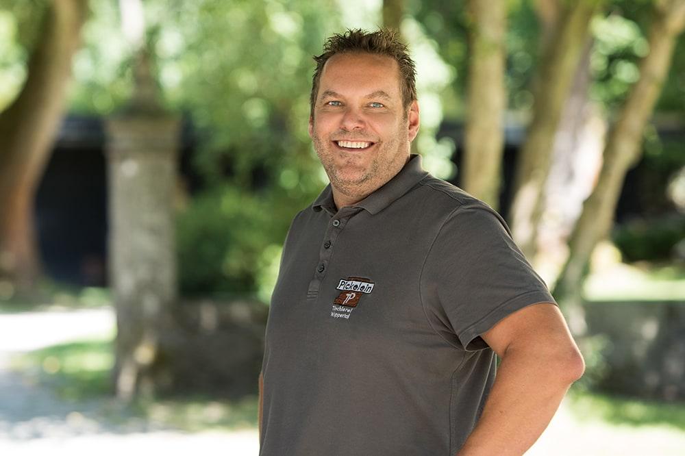 Tischlermeister Thorsten Pickelein vom Holzraum Schloss Lüntenbeck